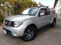 Nissan Frontier LE 4x4 2.5 16V (cab. dupla) (aut) 2012}