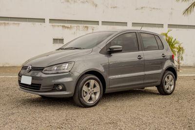 Volkswagen Fox Comfortline 1.6 I-MOTION 2017}