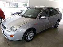 Ford Focus Sedan Ghia 2.0 16V 2001}