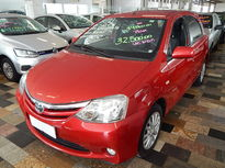 Toyota Etios Hatch XLS 1.5L (Flex) 2013}