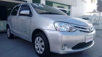 Toyota Etios Hatch X 1.3L (Flex) 2014}
