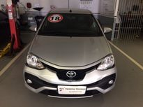 Toyota Etios Hatch 1.5 Platinum (Aut) 2018}