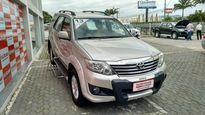 Toyota SW4 SR 2.7 4x2 5 Lugares Aut 2013}