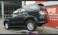 Toyota SW4 SRV 3.0 4x4 5 Lugares 2014}