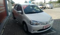 Toyota Etios Hatch Etios XLS 1.5 (Flex) 2016}