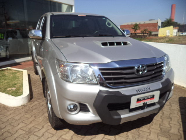 Hilux Cabine Dupla SRV A/T 4x4 Diesel