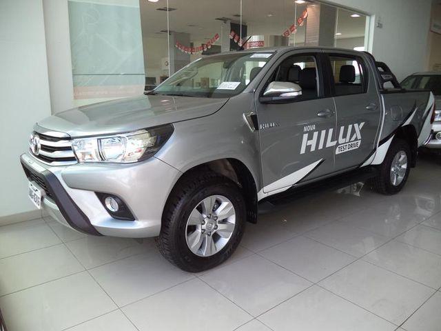 Hilux  2.7 SRV 4X4 CD 16V FLEX 4P AUTOMÁTICO