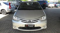 Toyota Etios Hatch X 1.3L (Flex) 2013}
