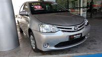 Toyota Etios Hatch X 1.3L (Flex) (Aut) 2017}
