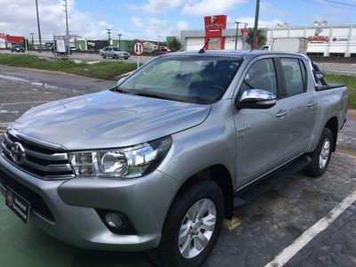 Toyota Hilux Cabine Dupla SRV A/T 2.7L 4x2 Flex 2017}
