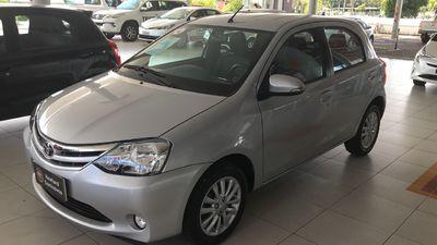Toyota Etios Hatch XLS 1.5L Flex 2016}