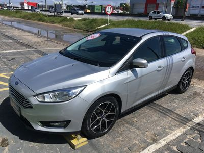 Ford Focus Hatch Titanium 2.0 AT 2016}