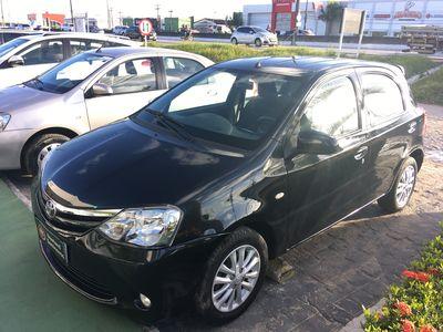 Toyota Etios Hatch XLS 1.5L Flex 2014}