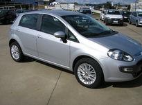 Fiat Punto Essence 1.6 16v 2015}