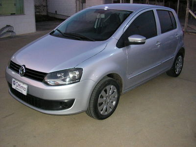 Volkswagen Fox 1.6 8V (Flex) 2010}