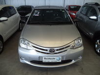 Toyota Etios Sedan X 1.5 (Flex) 2013}