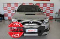 Toyota SW4 SRV 3.0 4x4 7 Lugares 2014}