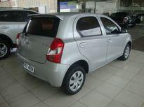 Toyota Etios Hatch X 1.3L Flex 2014}