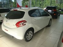Peugeot 208 1.5 8V Active Pack (Flex) 2014}