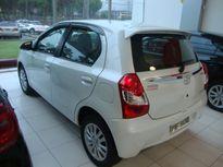 Toyota Etios Hatch Etios XLS 1.5 (Flex) 2015}