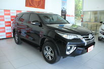 Toyota SW4 SR 2.7 4x2 5 Lugares Aut 2017}