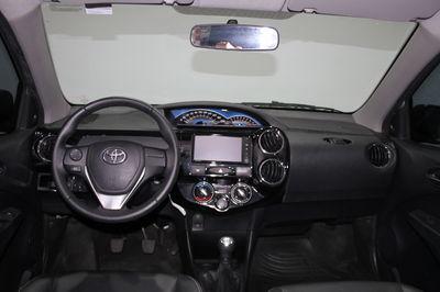 Toyota Etios Hatch Etios XLS 1.5 (Flex) 2016}