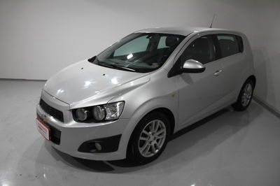 Chevrolet Sonic Hatch LTZ (Aut) 2013}