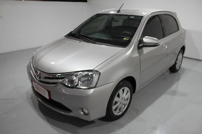Toyota Etios Hatch XLS 1.5L (Flex) (Aut) 2017}