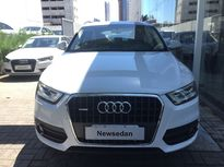 Audi Q3 2.0 TFSi S tronic quattro Attraction 2013}