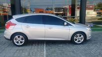 Ford Focus Hatch SE 1.6 PowerShift 2015}
