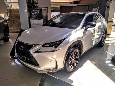 Lexus NX 200T F-Sport 2.0 16V 4x4 TURBO 2016}